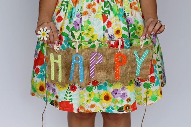 une robe a fleur muticolore