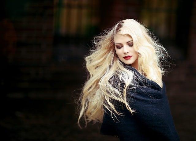 Conseils pour les soins capillaires au printemps – Comment préparer vos cheveux pour les températures plus chaudes