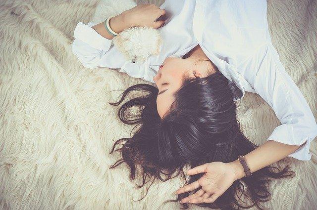 femme qui rêve