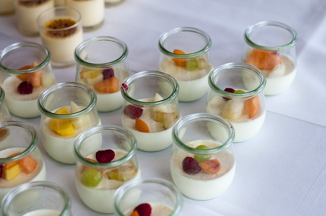 des yaourts faits avec yaourtiere