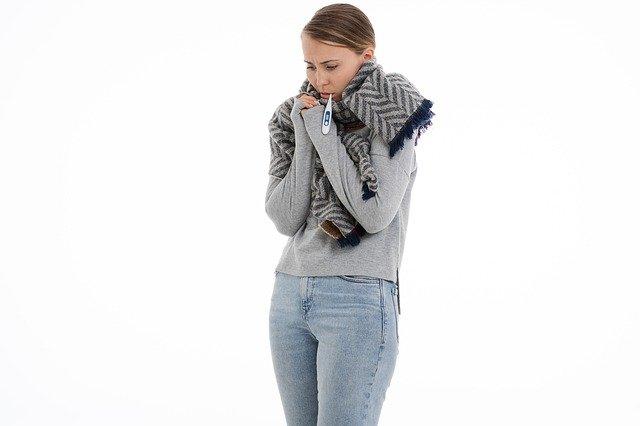 femme qui a un rhume