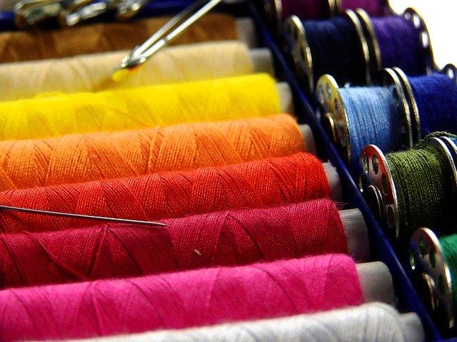 du fil de couture