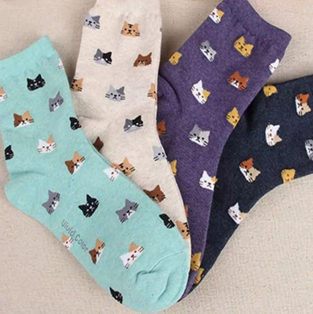 4 paires de chaussettes chats, avec des motifs de tête de chat